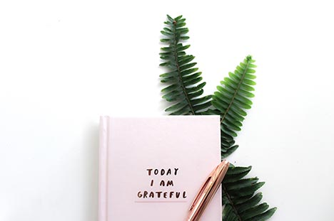 grateful quote and notebook