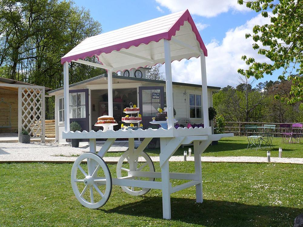 Sophie Victorian Candy Cart W0 9m X D1 8m Garden Furniture