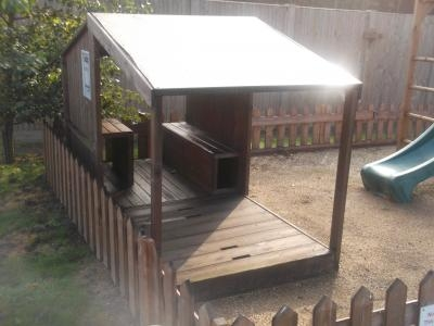 Ex-Display Casper Sandpit and Den W2.4m x D1.2m